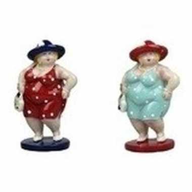 2x decoratie staande dikke dames beeldjes 20 cm in rode/lichtblauwe j