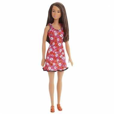Barbie pop met oranje jurkje