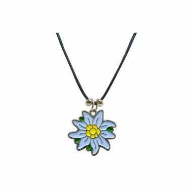 Ketting met edelweiss bloem voor bij een dirndl jurkje
