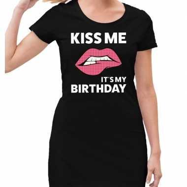 Kiss me it is my birthday zwarte jurk voor dames